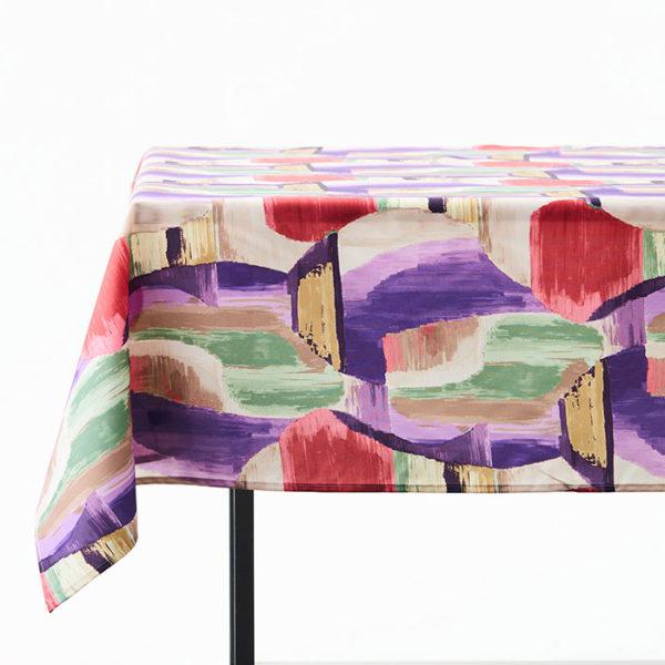 Magilu International - Tovaglia antimacchia e antistiro su misura per ristorante - Mod. Fantasia Picasso viola