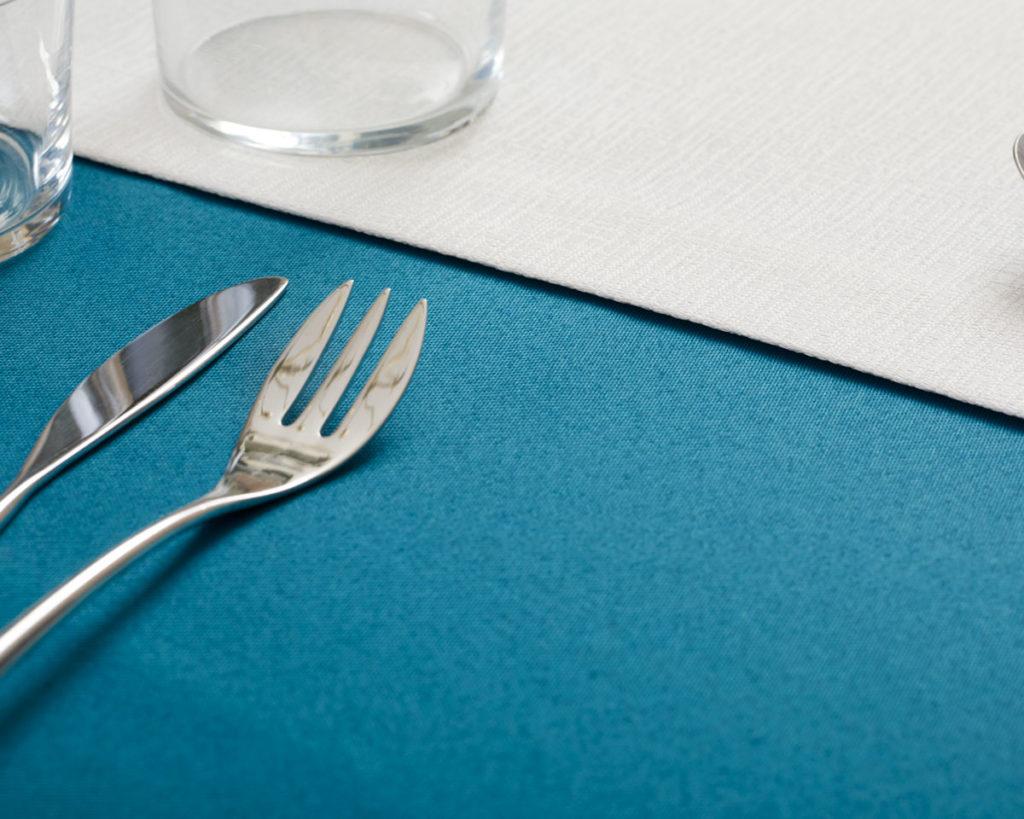 Magilu International - Tovaglia antimacchia e antistiro su misura per ristorante - Mod. Retinato