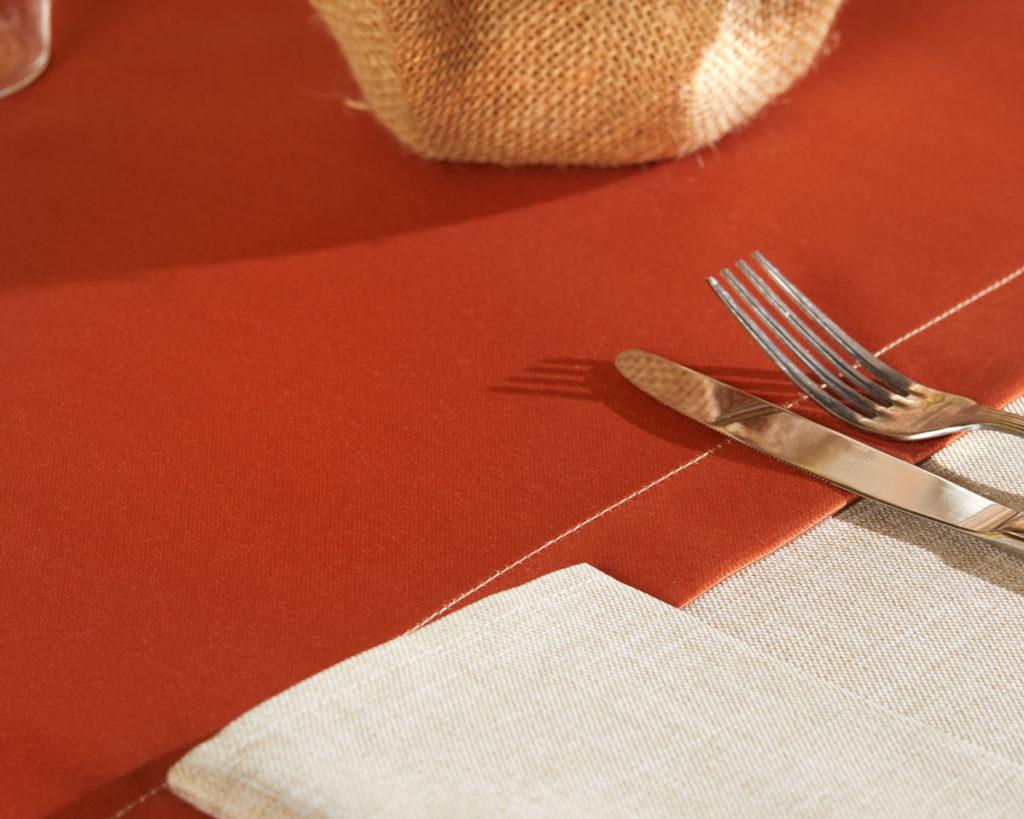 Magilu International - Tovaglia antimacchia e antistiro su misura per ristorante - Mod. Lino