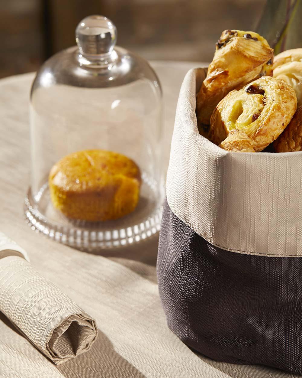 Magilu International - Tovaglia antimacchia e antistiro su misura per ristorante - Arredo tavola